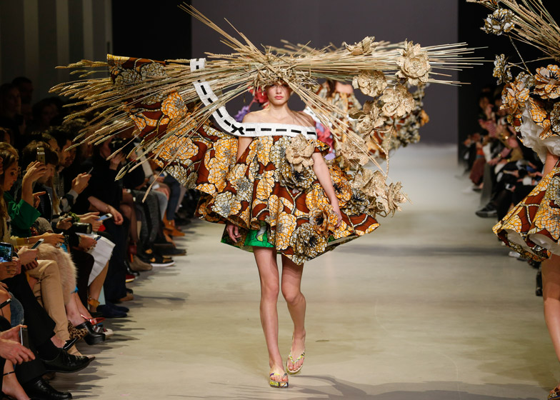 Viktor-and-Rolf-spring-summer-2015-haute-couture-Paris-Fashion-Week_dezeen_784_2